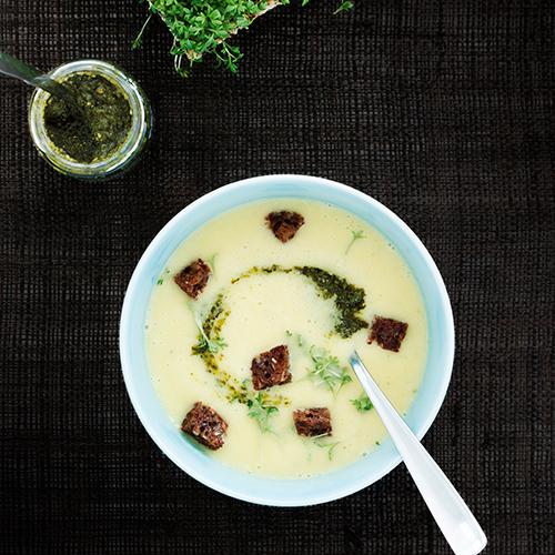 Potatissoppa med morot och purjolök